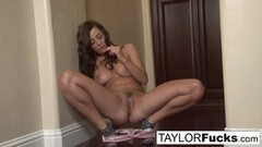 Frisky Taylor Vixen Shows Of Her Amazing Big Natural Tits Thumb