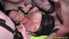 Hot Masseuse enjoys licking Ayumis pussy Thumb