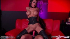 Hottie Jessica Jaymes fucked by Alison Tyler using a strapon Thumb