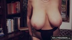 Kelly Madison enjoys a solo masturbation session Thumb
