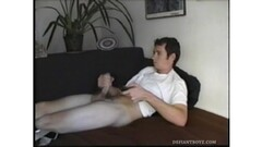 Amateur Logan beating his cock Thumb