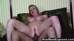 RealMomExposed Hot tattoo mom gets banged Thumb