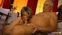 Cum on tits for mature German amateur Thumb