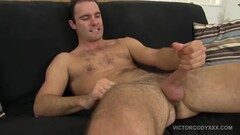 Wanking stud Cameron Kincade Thumb
