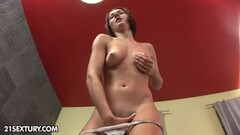 Mia Bella gets an abominable fucking Thumb