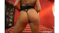 nude celeb Milla Jovovich in erotic scenes Thumb