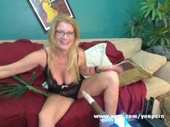 Milf Robbye Bentley live sex machine cam Thumb