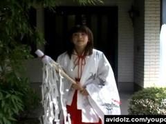 Horny Japanese teen in kimono sucking cocks Thumb