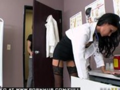 BIG TIT BRUNETTE MILF DOCTOR GIVES BLOWJOB WITH LINGERIE. Thumb