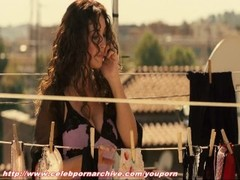 Monica Bellucci - Manuale d'Amore Thumb
