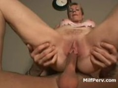 Hot blonde pussy MILF does cowgirl on young hard cock Thumb