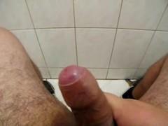 Guy jerking - https://www.sexlog.com.br/poff Thumb