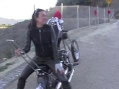 Harley Pumping Thumb