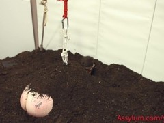 Goth gets rough anal funeral--ass to mouth in dirt and bondage Thumb