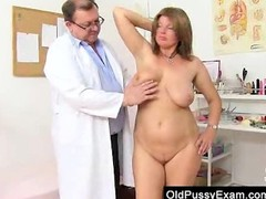 Mature gyno in addition to dildoes and bang toys Thumb