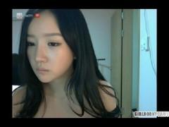 Korean Webcam Girl show - Girlhornycams.com Thumb