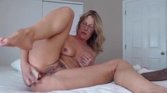 Fuckable mother Jess with pubic hair does posh anal Thumb