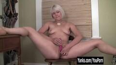 Yanks Blondie Fallon Squirts Thumb